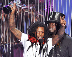 Lil Wayne wins VMA